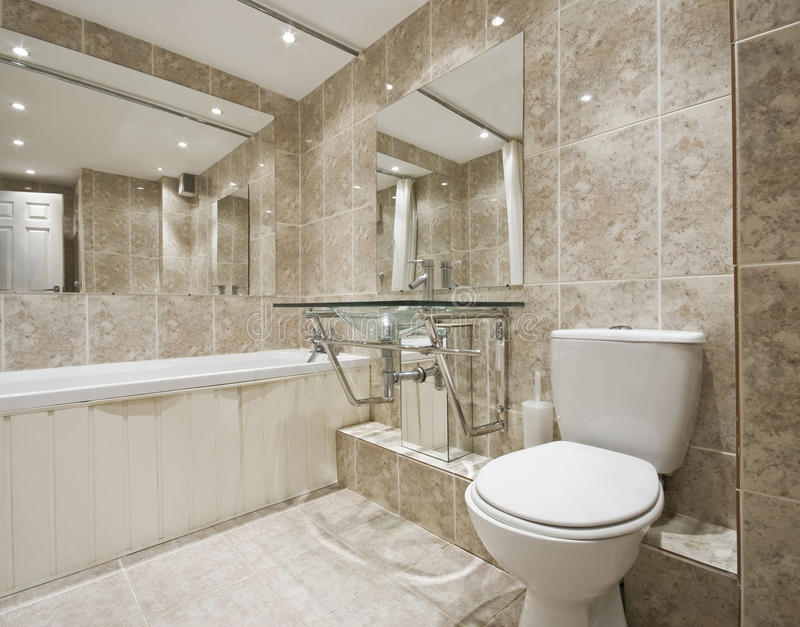 Salle de bains de créateur photos stock