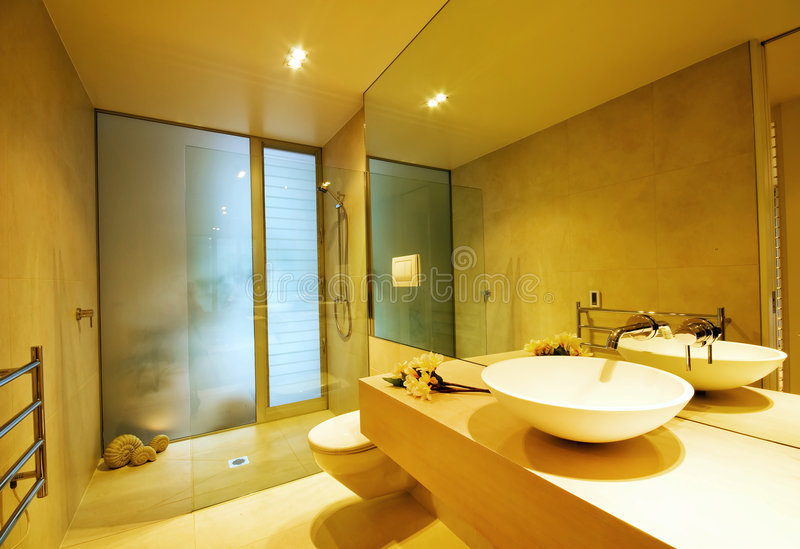 Salle de bains de créateur photographie stock