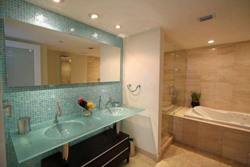Salle de bains de luxe photos libres de droits