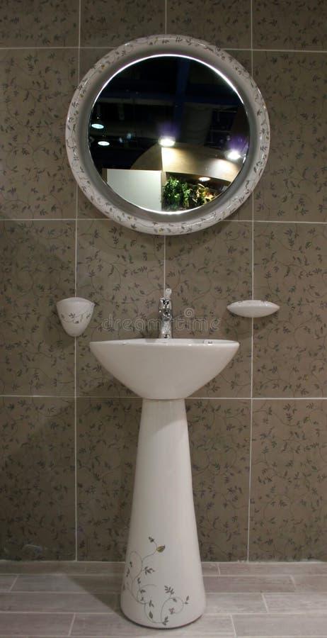Salle de bains - intérieurs à la maison photo stock