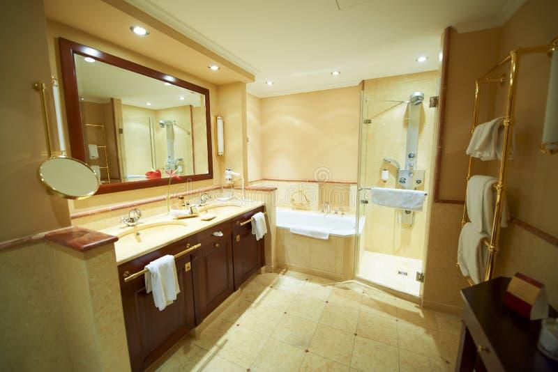 salle de bains moderne photo libre de droits image 17682445. Black Bedroom Furniture Sets. Home Design Ideas