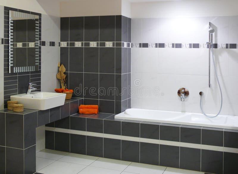 salle de bains moderne de cr ateur photo stock image du l gance moderne 13738372. Black Bedroom Furniture Sets. Home Design Ideas