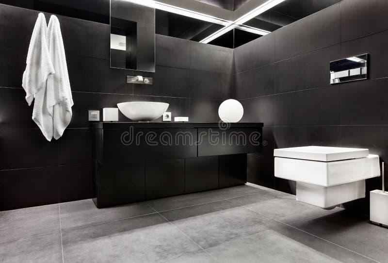 Salle de bains moderne de type de minimalisme photo libre de droits