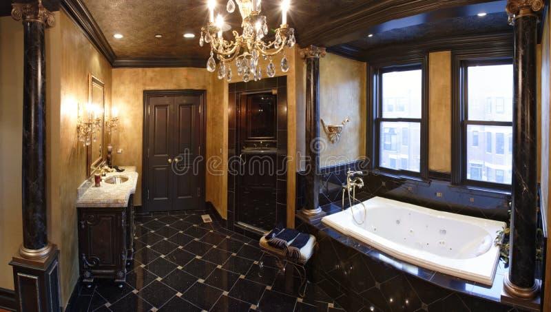 Salle de bains principale photo stock