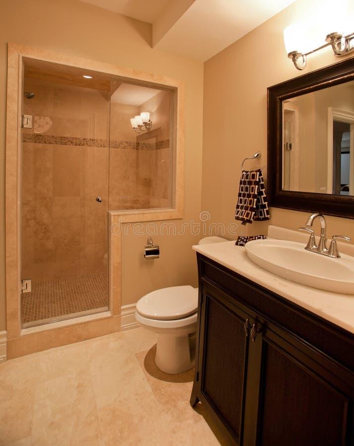 Salle de bains principale image libre de droits