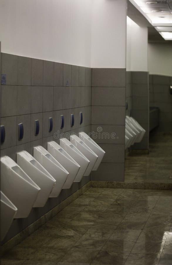 Salle de bains publique image libre de droits