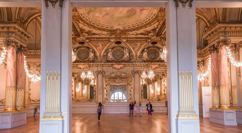 Salle de bal du musée d'Orsay, Paris, France images libres de droits