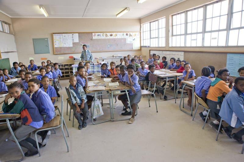 Salle de classe d'une école primaire en Namibie photos stock