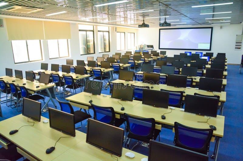 Salle de classe numérique de sagesse future images stock