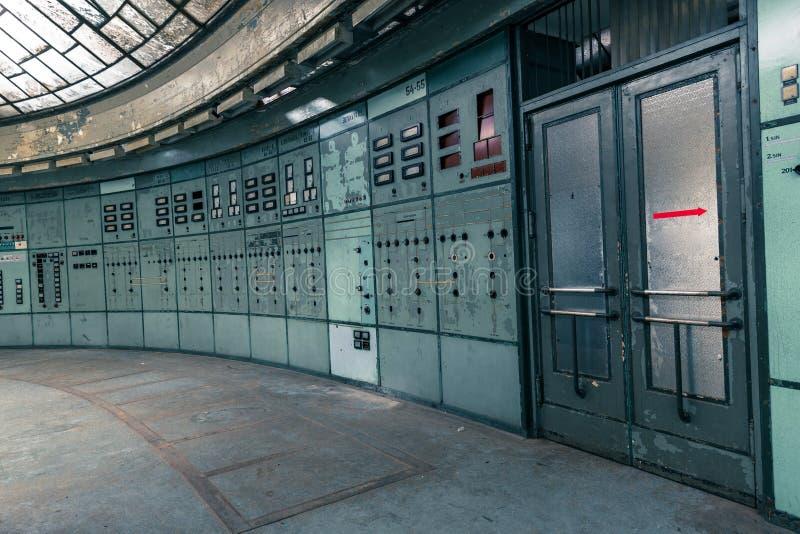 Download Salle De Commande Lumineuse Image stock - Image du haut, ordinateur: 45353287