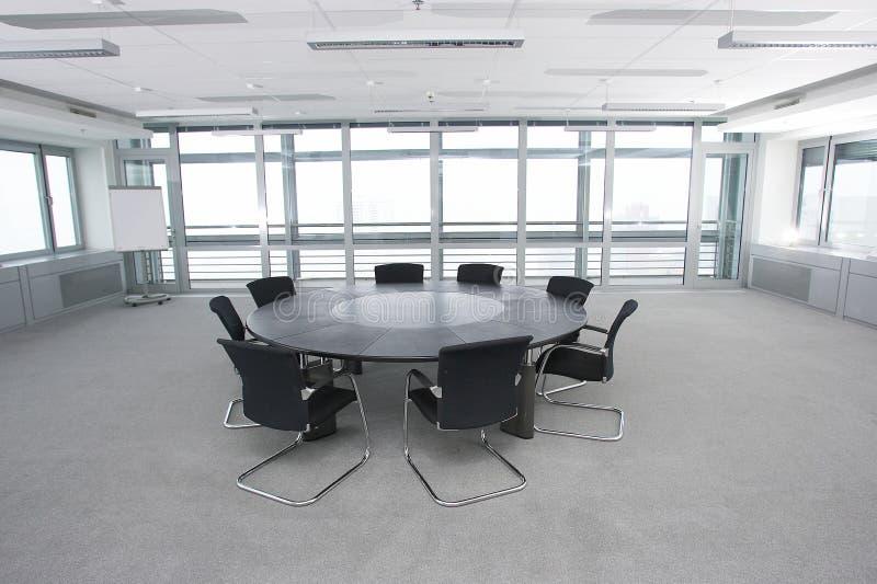 Salle de conférence avec des fauteuils image libre de droits