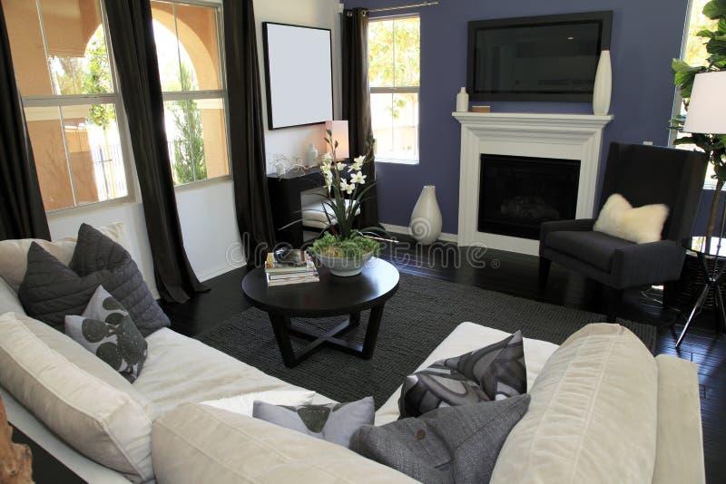 Salle de séjour à la maison de luxe image libre de droits