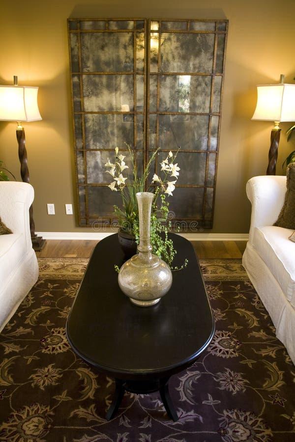 Salle de séjour à la maison de luxe. photos stock