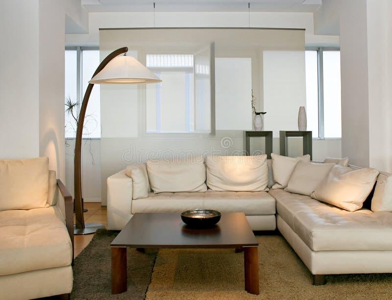 Salle de séjour lumineuse photo stock