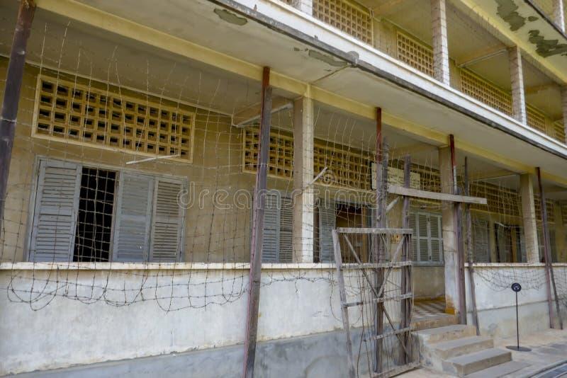 Salles de classe au musée de génocide de Tuol Sleng dans Phnom Penh Cambodge photographie stock