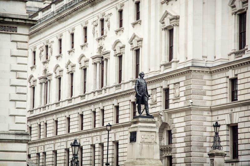 Salles 'opérations renseignement' de la statue de Robert Clive et de Churchill photo stock