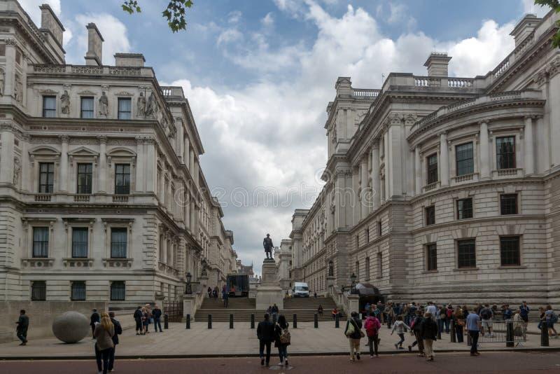 Salles 'opérations renseignement' et Robert Clive Memorial de Churchill vus de la rue du Roi Charles à Londres, Angleterre, G photographie stock libre de droits
