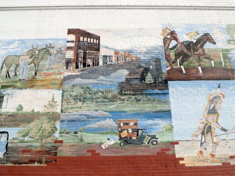 Sallisaw, murale GIUSTO di storia, viale cherokee immagini stock