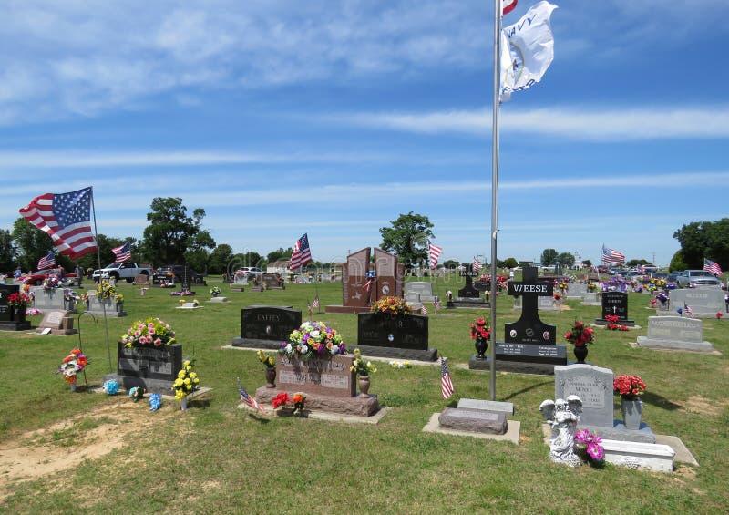 Sallisaw stadskyrkogård, Memorial Day, Maj 29, 2017 royaltyfria foton