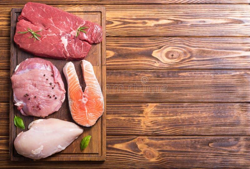 Salmões, carne, carne de porco e galinha imagens de stock
