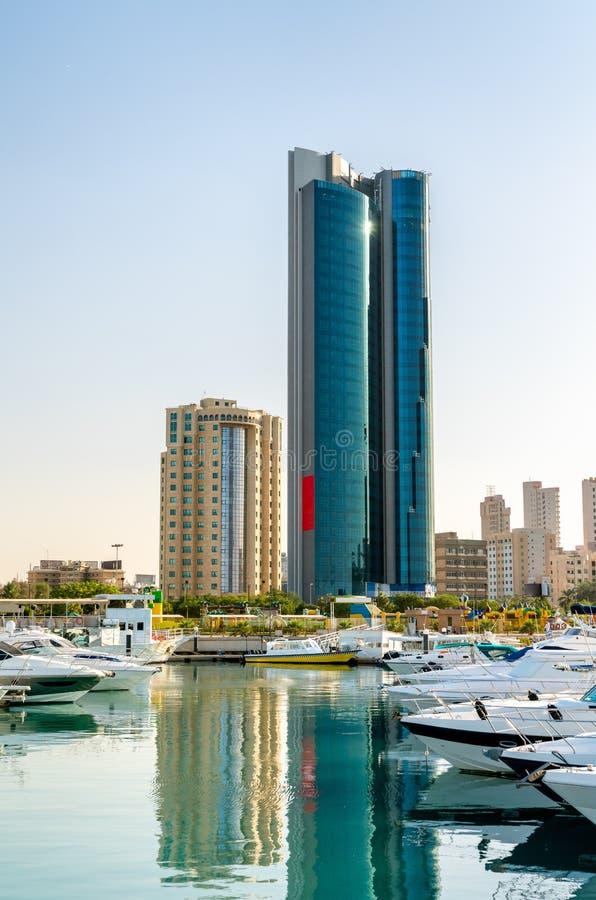 Salmiya小游艇船坞的摩天大楼在科威特 库存照片