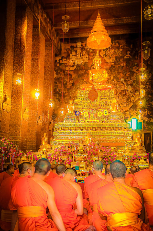 Salmodiare i monaci fotografia stock