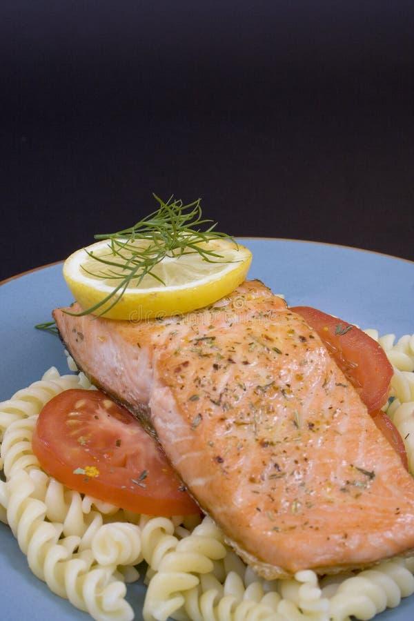 salmon стейк 3 стоковое изображение rf