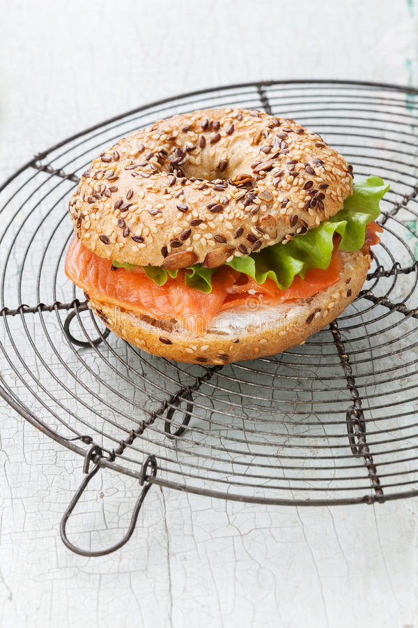 Salmon Bagel Sandwich foto de stock royalty free