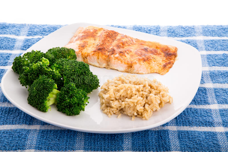 Salmon Broccoli e arroz integral fotografia de stock