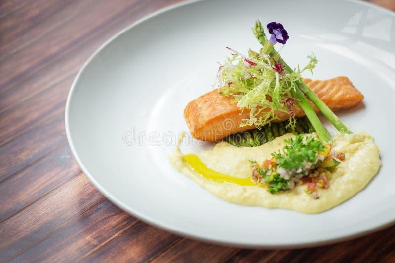 Salmon Recipes With Dill Cream-Saus stock fotografie