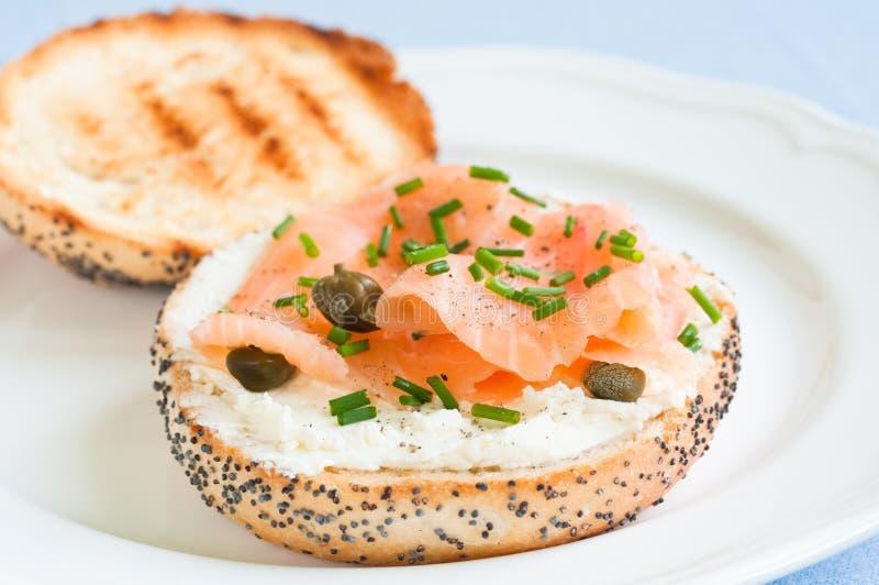 Salmon Sandwich lizenzfreies stockfoto