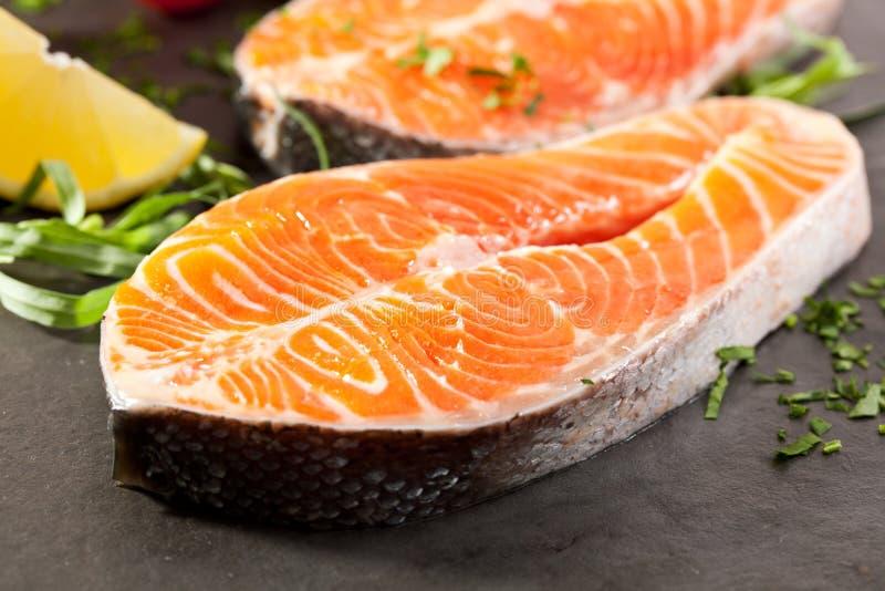 Download Salmon Steak photo stock. Image du vivacité, marché, nutrition - 45366564