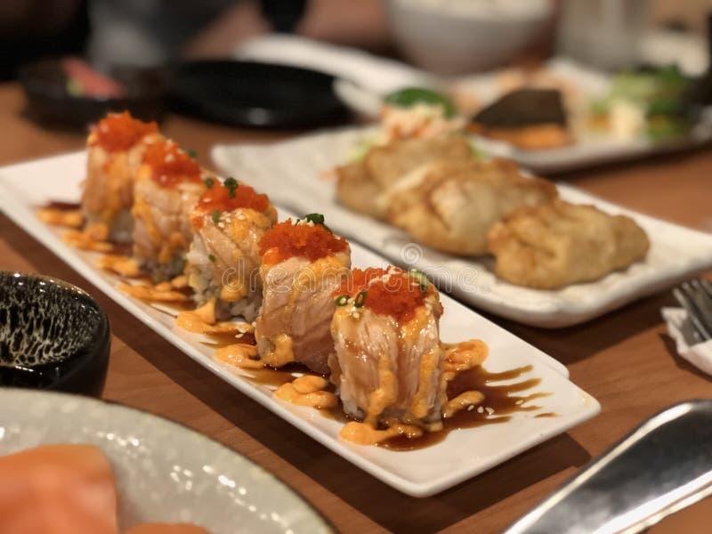 Salmon Sushi Roll stock afbeeldingen