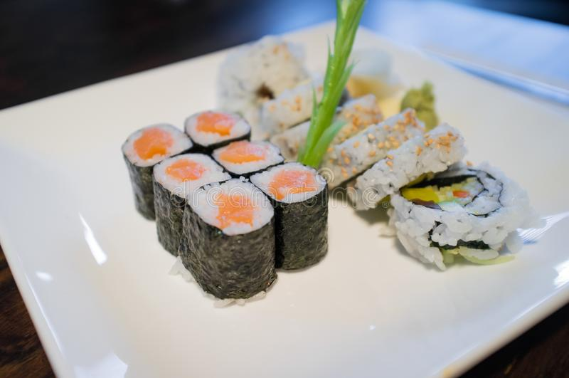 Salmon Sushi Roll immagine stock