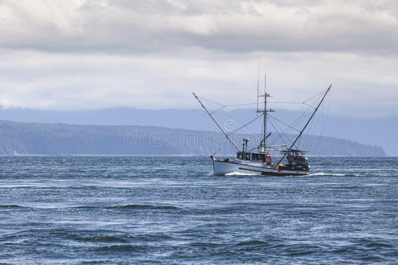 Salmon Troller en Alaska suroriental imagenes de archivo