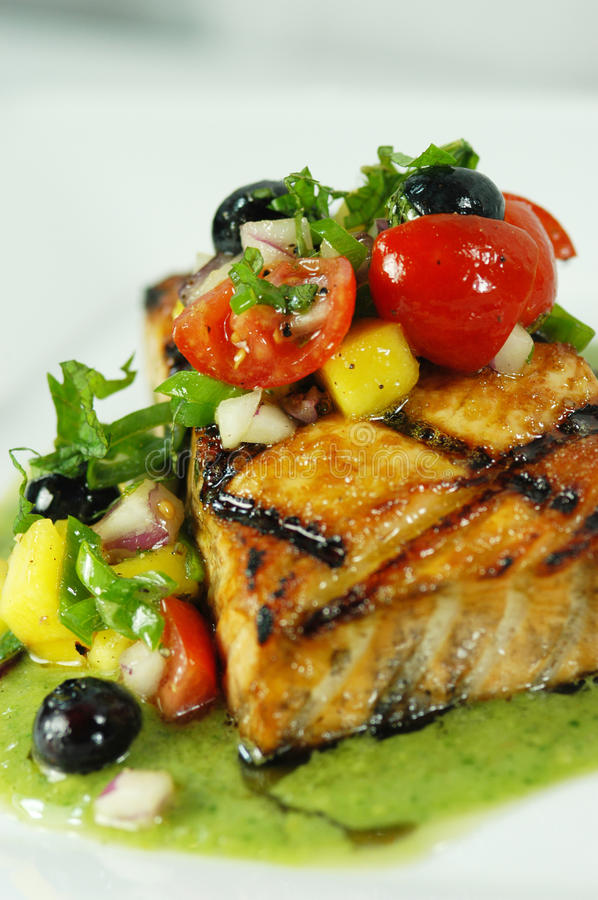 Free Salmon With Blueberries & Cherry Tomatoes Stock Photography - 15096942