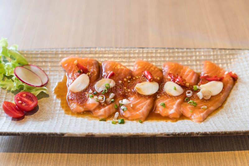 salmone affettato piccante fotografia stock