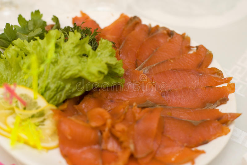 Salmone affumicato su un piatto immagine stock libera da diritti