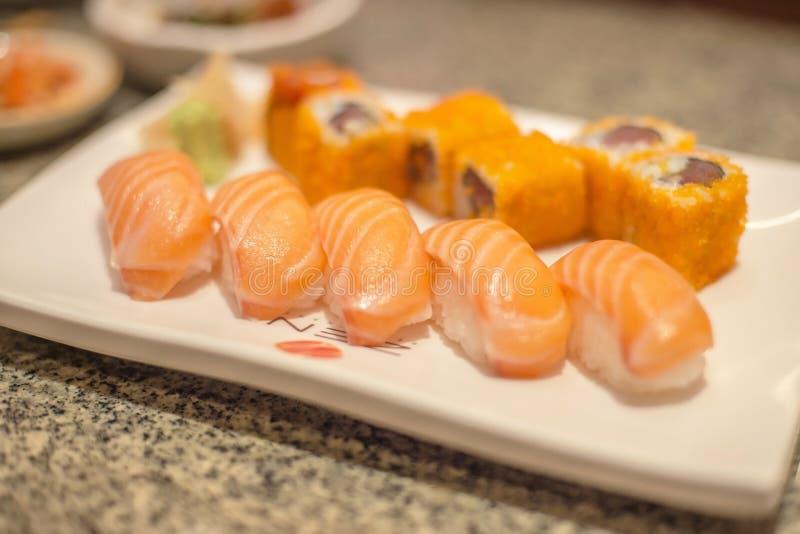Salmones del sushi fotos de archivo libres de regalías