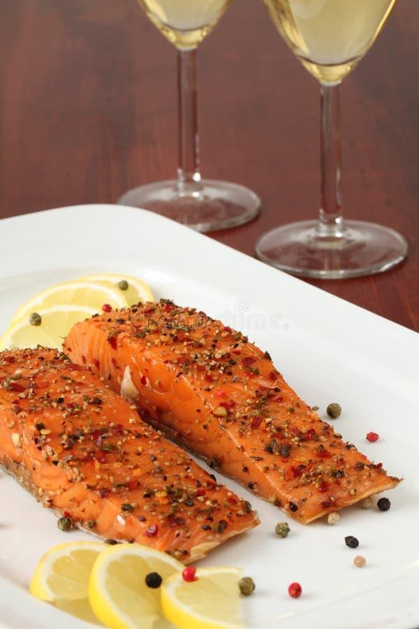Salmoni affumicati con la crosta del pepe immagine stock libera da diritti