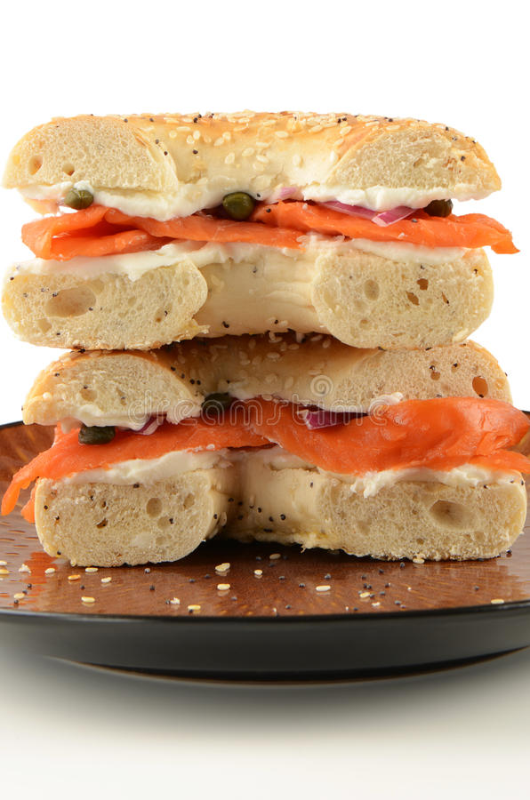 Salmoni affumicati sul bagel fotografia stock