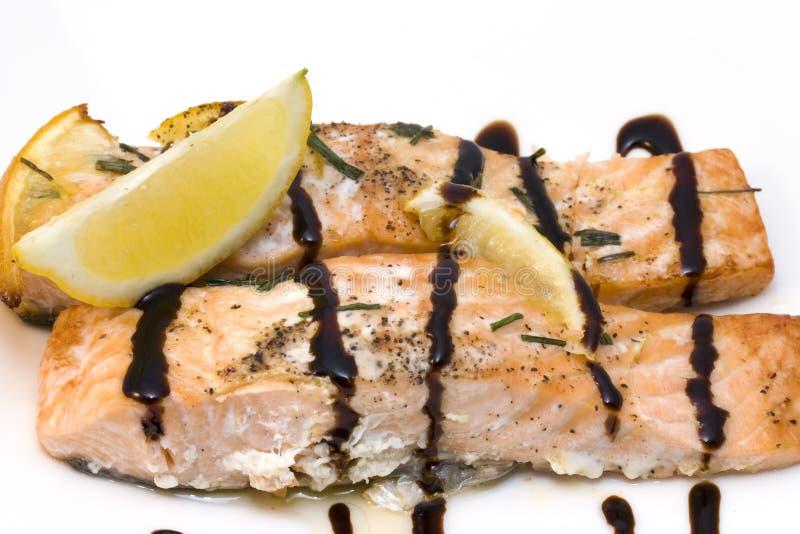 Salmoni con aceto balsamico fotografie stock libere da diritti