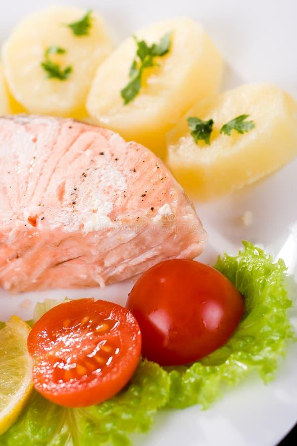 Salmoni e patata fotografia stock libera da diritti