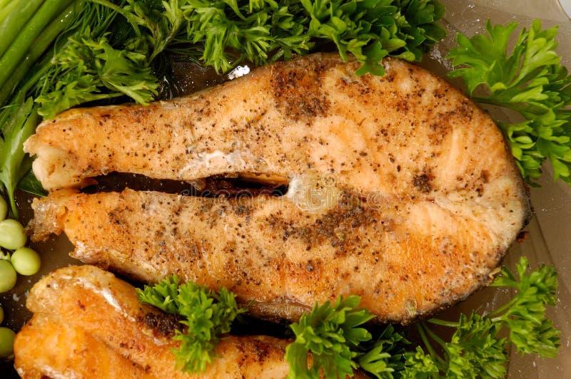 Salmoni fritti appetitosi fotografia stock libera da diritti