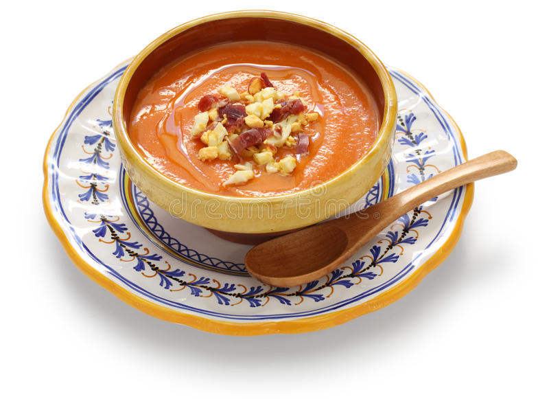 Salmorejo, Spagnolo ha raffreddato la minestra del pomodoro immagini stock