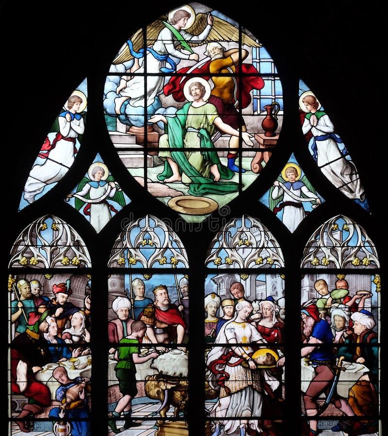 Salome Shows huvudet av St John det baptistiskt till Herod arkivbilder