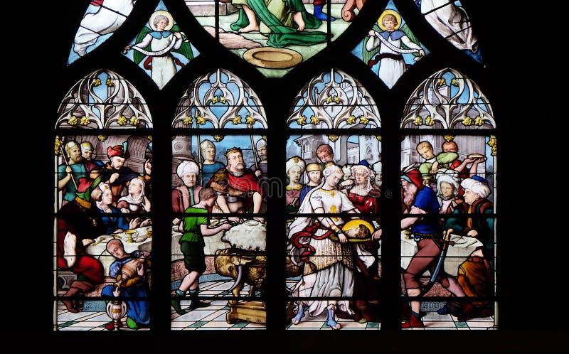 Salome Shows huvudet av St John det baptistiskt till Herod royaltyfria foton