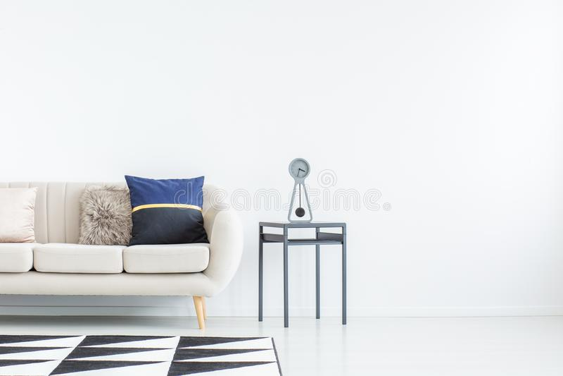 Salon avec l'espace vide photo stock