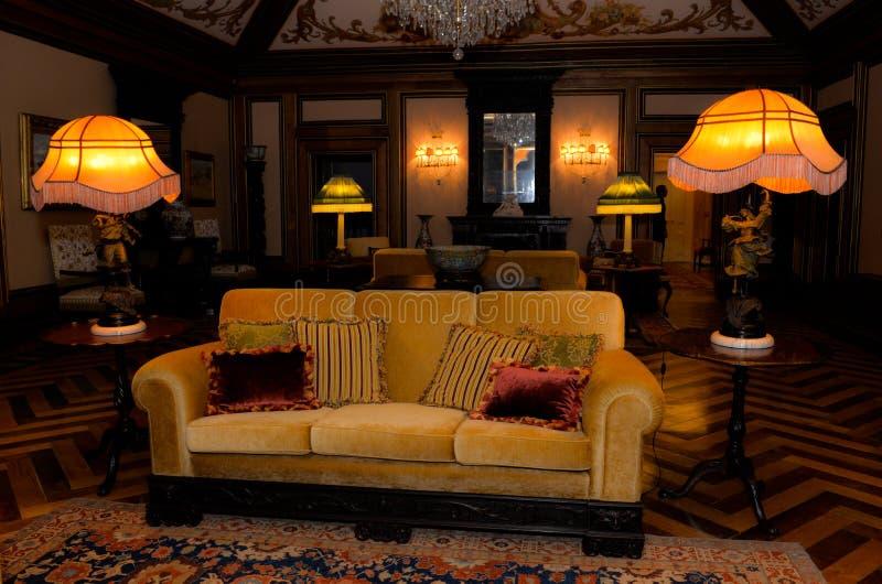 Salon démodé, intérieur de palais de vintage photo libre de droits