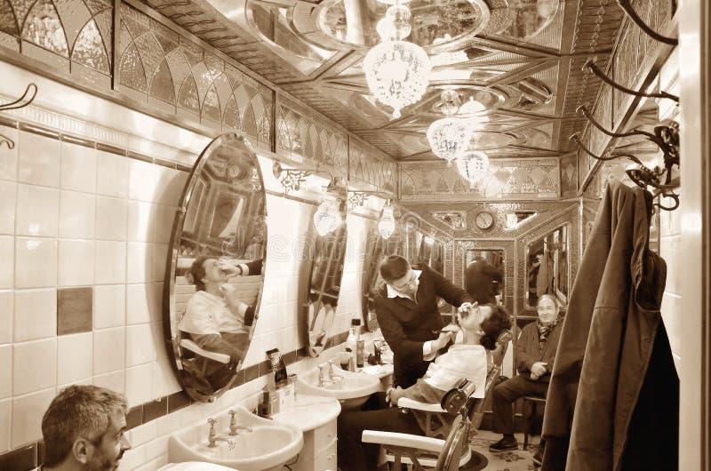 Salon de coiffure historique à Gênes images libres de droits